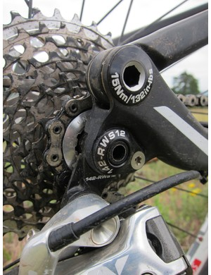 Scott again use carbon fiber dropouts on the top-end Sparks but newly interchangeable bolt-in aluminum inserts allow for multiple quick-release and through-axle rear hub standards