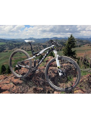 New to the 2012 Scott Spark range is a highly anticipated range of 29ers, including the top-end Spark 29 RC that features an ultralight carbon frame and an enviable mix of componentry