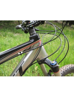 Alloy Scott Sparks get similarly tapered and oversized head tubes as the carbon models for 2012