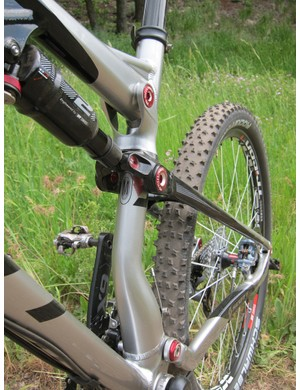 The hydroformed alloy Scott Spark seat tube sports a pronounced kink as well as a highly asymmetrical shape for 2012