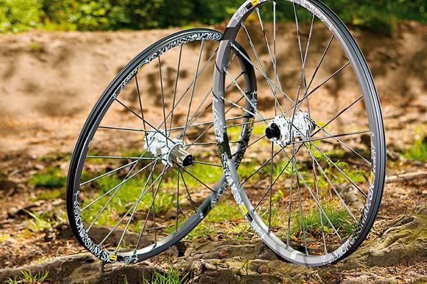 Mavic CrossMax SX wheelset