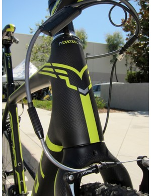 Felt builds a tapered 1 1/8-to-1 1/2in head tube into its new carbon 'cross frames