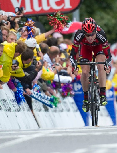 Cadel Evans fights for every second