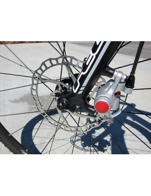 The Felt F65X's Avid BB5 front brake is paired with a lightweight Ashima 160mm-diameter rotor