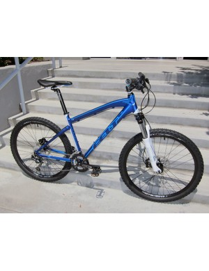 Felt will still make carbon hardtails in 2012 but just barely with only two low-end alloy models in the lineup