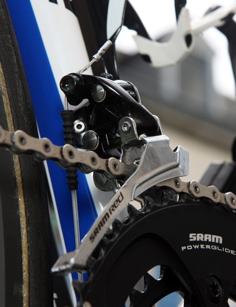 Sealed Gore Ride-On derailleur cables and housing help maintain good shift performance on the Liquigas-Cannondale team bikes.