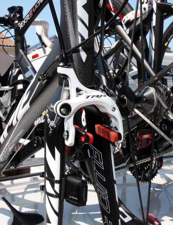 Saur-Sojasun is using TRP's revised R970SL magnesium dual-caliper brakes with a more conventional cam-type quick-release.