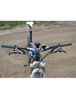 Gould steers with a 660mm PRO XCR carbon bar