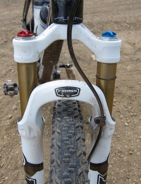 The FIT TerraLogic damped fork sports Kashima coated upper tubes