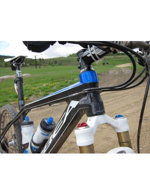 Orbea uses a standard 1-1/8in head tube for the Alma