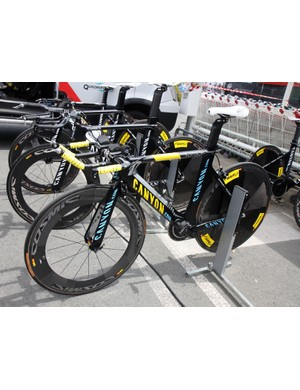 Philippe Gilbert (Omega Pharma-Lotto) was treated to this slightly customized Canyon Speedmax CF when he was in yellow after Stage 1