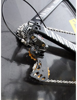 Philippe Gilbert (Omega Pharma-Lotto) uses a Berner pulley cage on his Canyon Speedmax CF