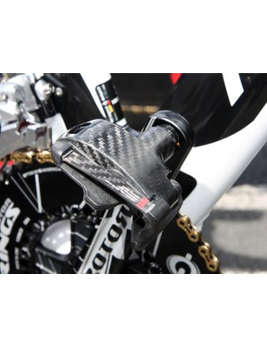 Does the shape of the pedal body really make that much difference in terms of drag? Look would say yes, as seen in the KéO Blade Aero pedal of Vacansoleil-DCM's time trial bikes