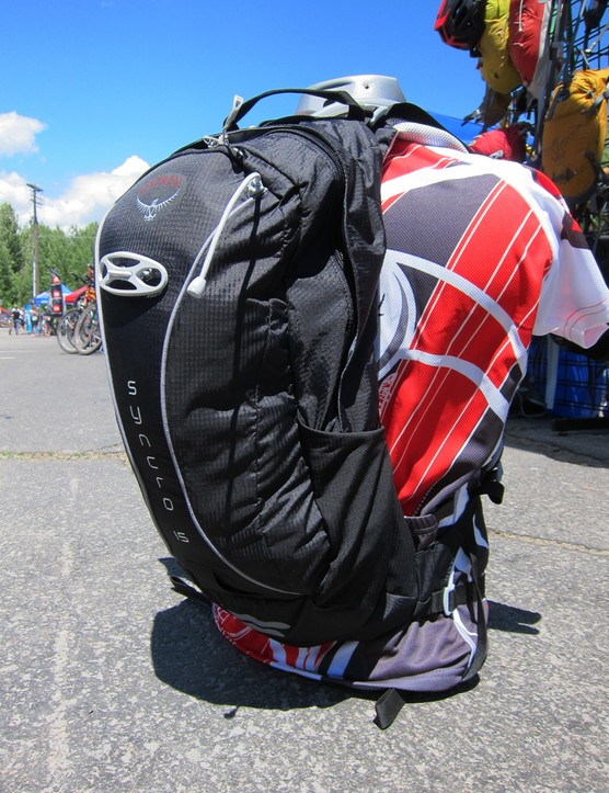 The new Osprey Syncro is designed as a lightweight, medium-capacity hydration pack for longer rides