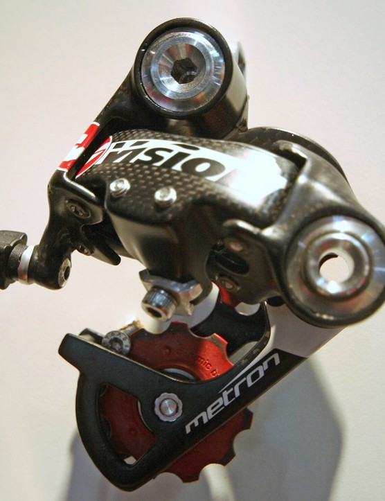 Carbon-bodied Vision Metron rear mech, with lightweight hardware and ceramic-bearing-equipped jockey wheels