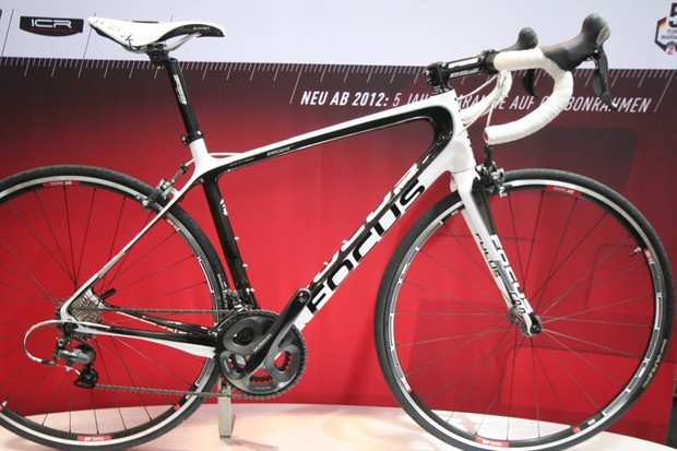 The new Izalco Ergoride is Focus's take on the all-day big-distance road bike