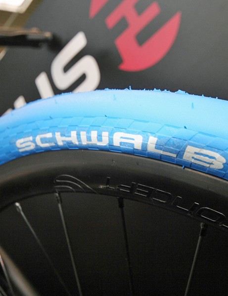 We love the electric-blue Schwalbe Kojak urban tyres