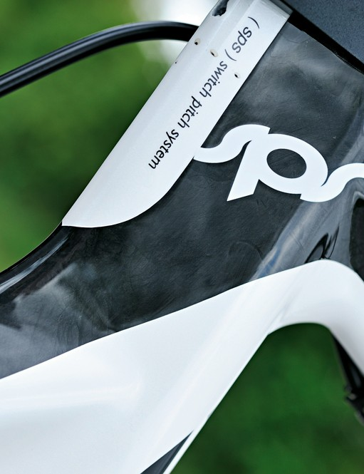 Moda's Sharp delivers a full carbon frame that ticks most basic aero boxes at a bargain price