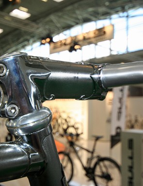 Even the stem is a lugged design