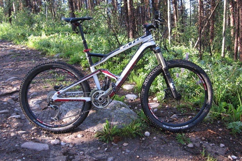f627ecc8b18 Cannondale's Jekyll 3 rode great, but its alloy frame and seemingly high  price left us