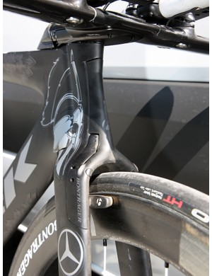 The center-pull front brake is neatly hidden away inside the fork