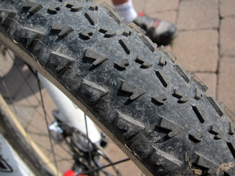 The tread pattern on Dugast's new Dove mountain bike tubular is nearly identical to that of the Rhino XL save for the additional row of shoulder knobs to accommodate the wider 50mm casing