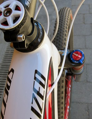 Specialized keep the top tube and down tube very wide to provide extra front triangle stiffness