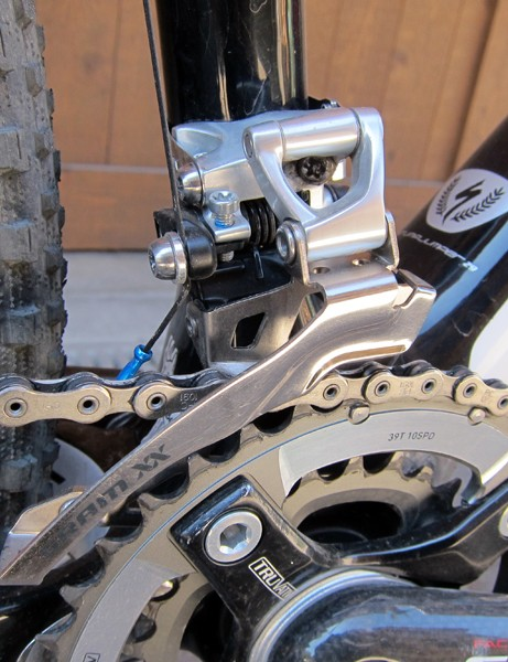 Specialized use a standard band clamp for the SRAM XX front derailleur on their top-end S-Works Stumpjumper 29er