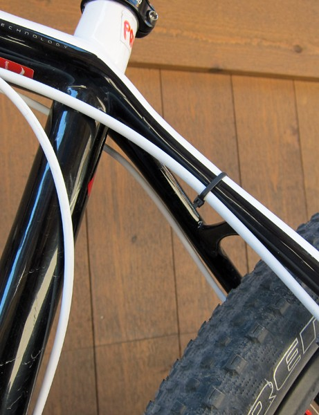 An extra zip-tie is used on the seatstay to keep the rear brake line tucked in a little tighter