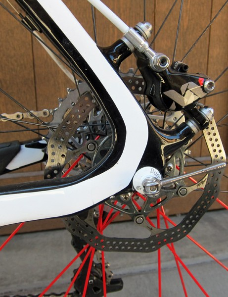 Todd Wells (Specialized) runs a 140mm-diameter rear rotor to trim weight