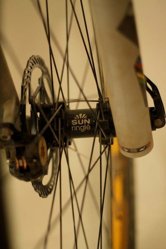 Sun Ringle's straight pull 'Dirty Flea' hubs sported ultra smooth bearings