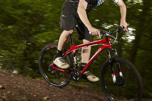 It may not swallow boulders whole,  but the Rockhopper Comp is a seriously good trail bike
