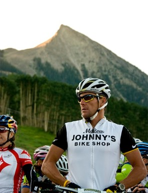 Last minute addition. It was announced at the racer meeting on Saturday evening that this year's Alpine Odyssey would be joined by some pretty lofty company. Sure enough, at 6:29 am, 1 minute before the race began Lance Armstrong joined the field of competitors at the Starting line below Mt. Crested Butte