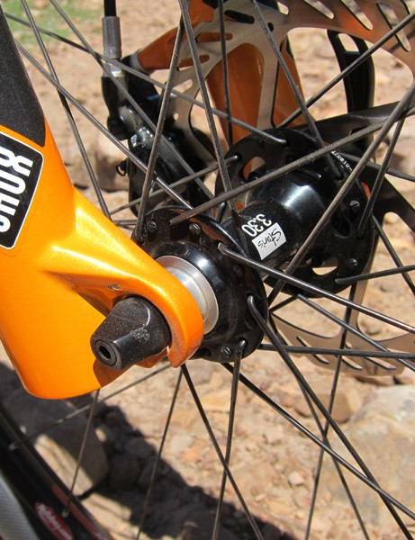 Niner offers the JET 9 with either quick-release or thru-axle fork tips - we'd definitely recommend the latter