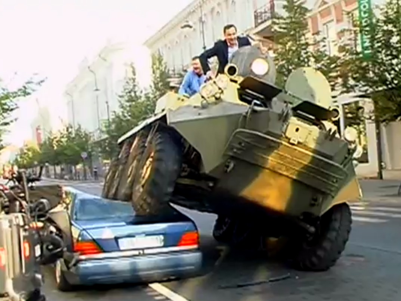 Lithuanian Mayor Crushes Car Of Bike Lane Blocker