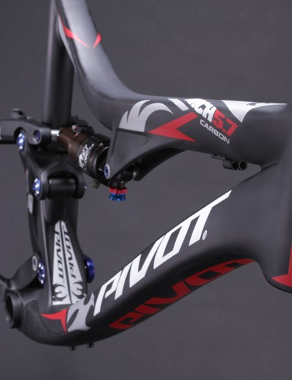 Pivot say a painted Mach 5.7 Carbon frame weighs 2.27kg (5.0lb) with the rear shock, but without the rear skewer, seatpost collar, derailleur hanger or bottle bolts