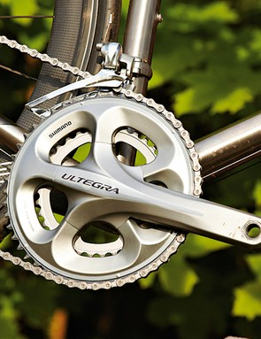 Shimano Ultegra is a good match – in looks as well as performance
