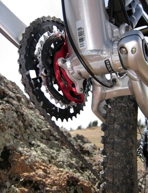 ISCG tabs are included should you decide to run any number of proper chain guides or bashguards but in stock form, Scott just includes an alloy plate to help prevent dropped chains
