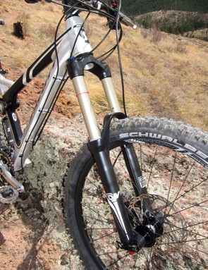 The RockShox Lyrik RLR instantly steps down from 180 to 140mm of travel with the flick of a dial, plus it can be remotely locked out via the Scott TwinLoc lever