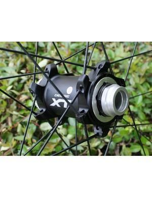 Shimano Deore XT M785 15mm front hub