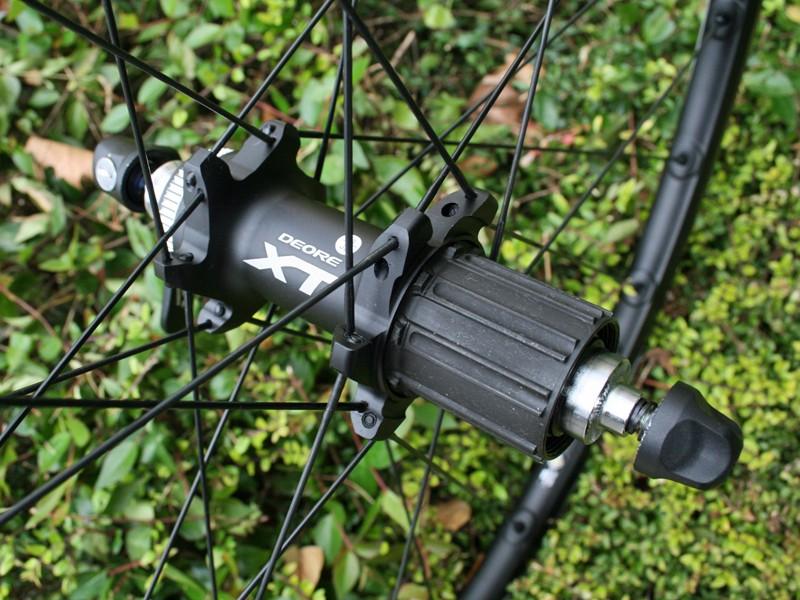 Shimano Deore XT M785 rear hub