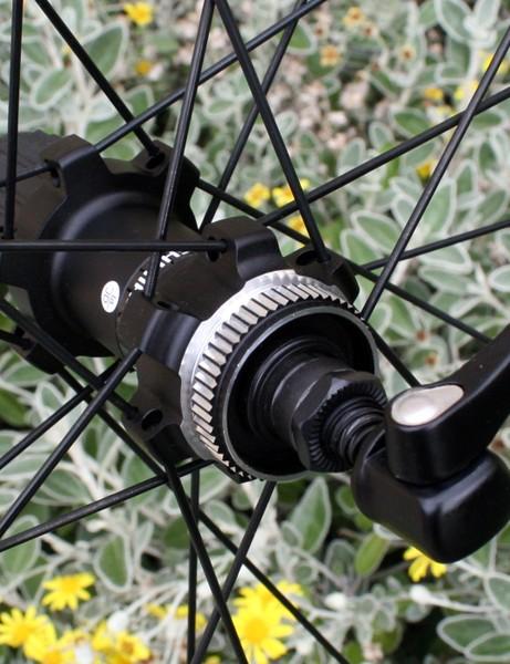 Shimano MT55 rear hub