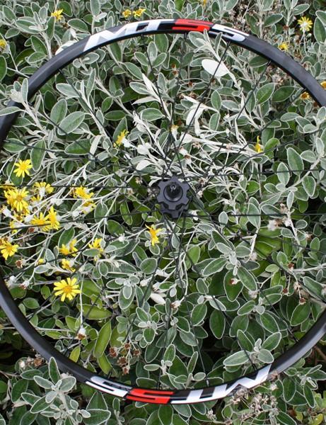 Shimano MT55 front wheel