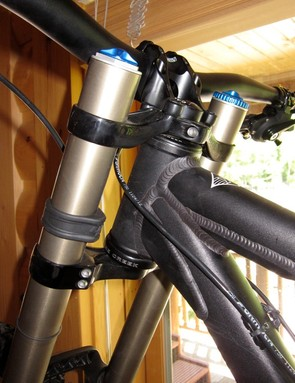 The DHR uses a 1.5in straight head tube