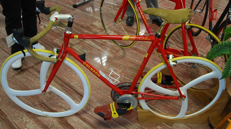 The first Ferrari bicycle. It features a gear shift knob that isn't just for show - it was used to shift an internal gearing system. More importantly it featured  a straight fork and was made of carbon fiber, one of the first bikes to be made of the space age material