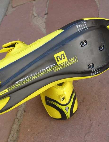 The Mavic Zxellium shoe uses a full-carbon sole but it's slightly heavier than on upper-end models