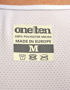 The exterior label is common to both the Intimo and Primo bibs
