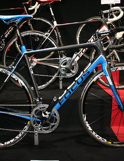 The Cayo Evo 3.0, SRAM Force, Mavic Cosmic Elite's and the all-new sub kilo carbon frame all for £2,299
