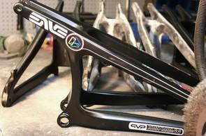 The Santa Cruz Syndicate's new carbon fibre V10 rear triangle, with ENVE Composites logo