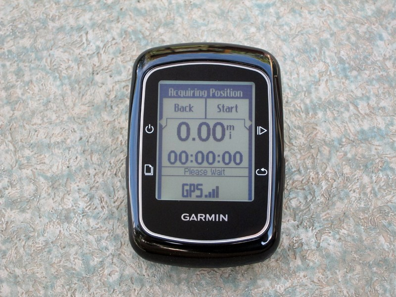 Fire up the Garmin Edge 200 and there's little you need to do aside from wait a few seconds for a satellite lock. There are no magnets or sensors to mess around with and even the time of day is automatically updated